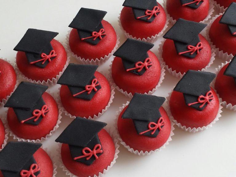Pasticcini per laurea